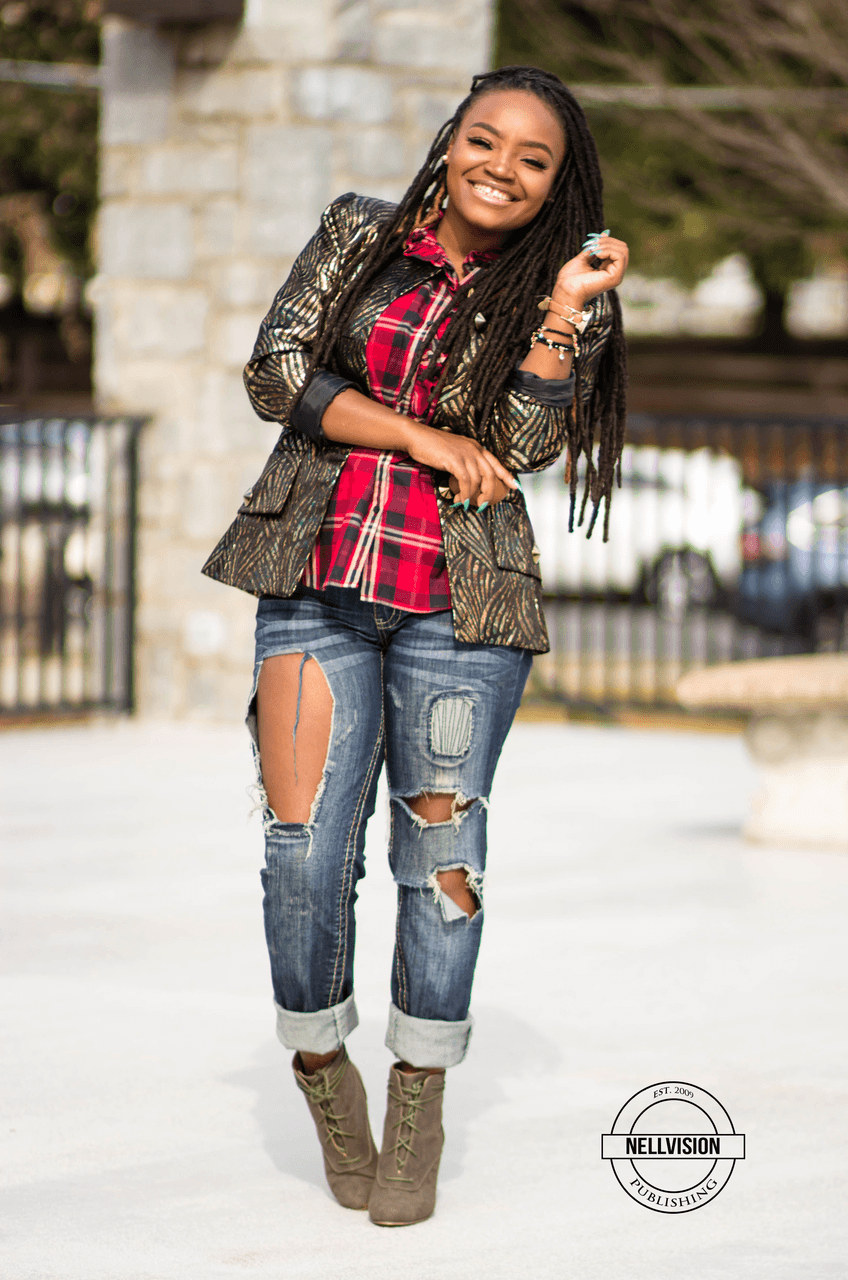STYLE: SPARKLY JACKET X RIPPED BOYFRIEND JEANS