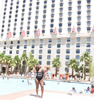 HOT SUMMER 17 IN VEGAS POOL TIME