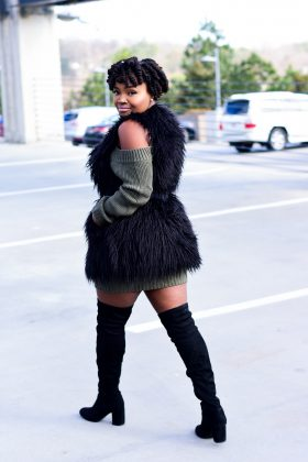 TOBI SWEATER DRESS X FAUX FUR VEST