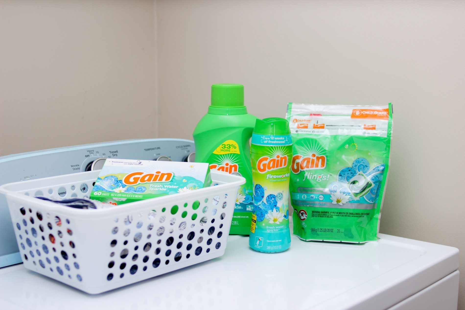 LAUNDRY DAY WITH GAIN FRESH WATER SPARKLE