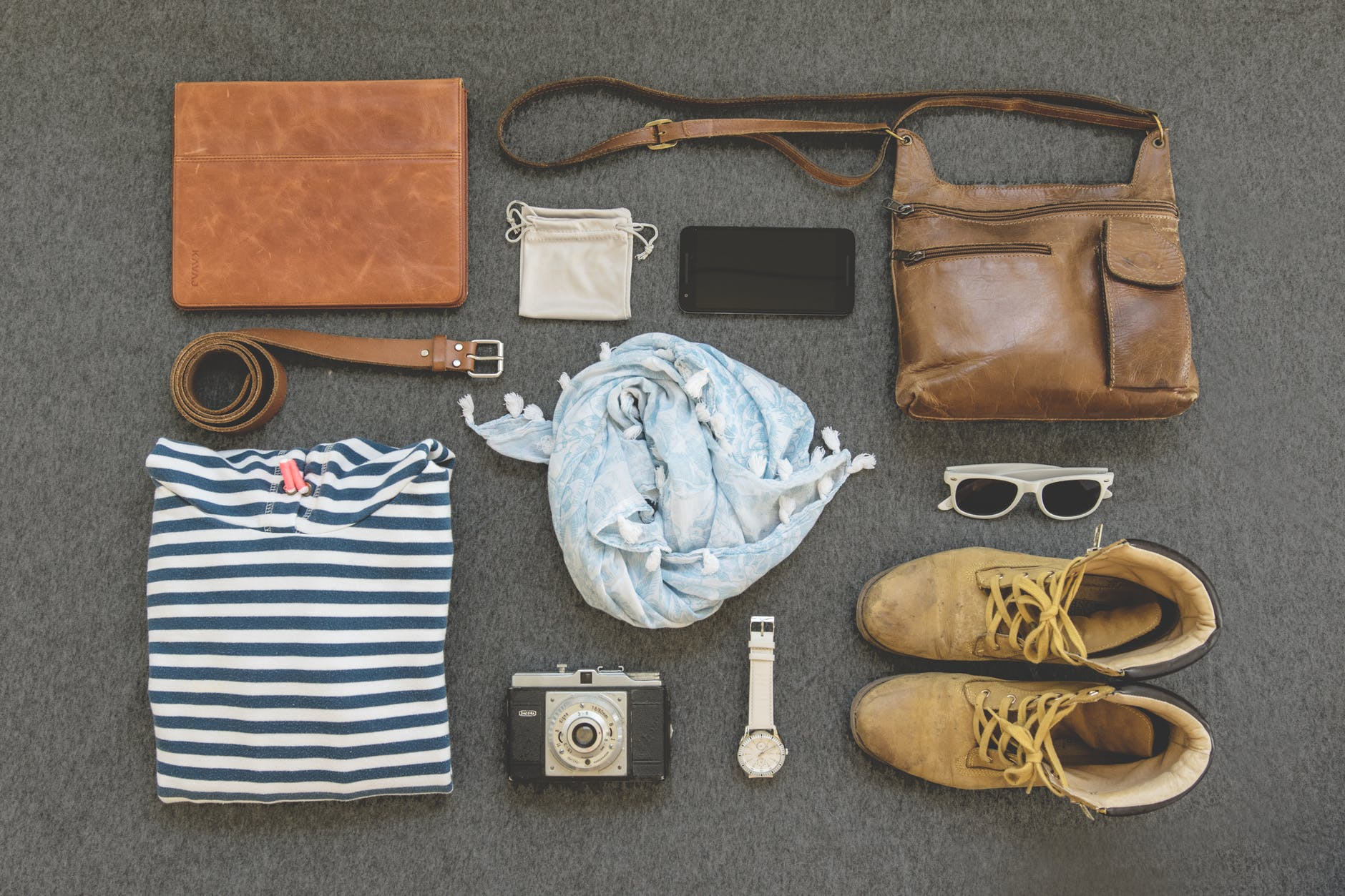 7 Helpful Packing Tips For That Last-Minute Packer